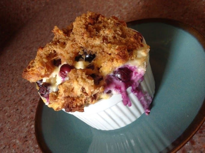 blueberry bread puddingf
