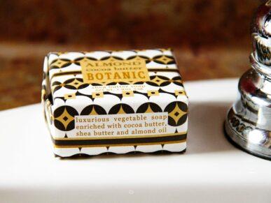 Almond Cocoa butter botanic soap