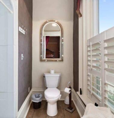 Belle Suite bath